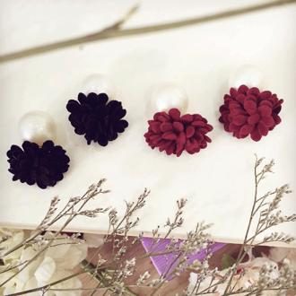 Hình ảnh củaBông tai dior hoa