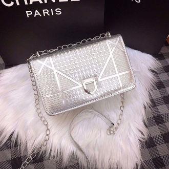 Hình ảnh củaTúi xách da Dior Drama Da Bóng Tráng Gương (SALE SHOCK)