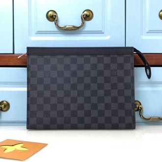 Hình ảnh củaCLUTCH Cầm Tay Louis Vuitton VCT2BB1